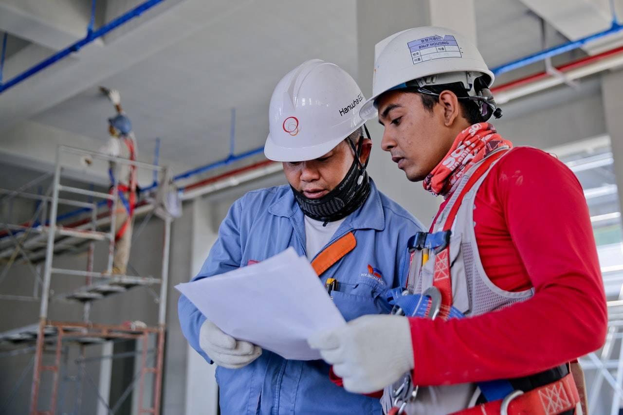 Cennik prac budowlanych – jakie są koszty usług?
